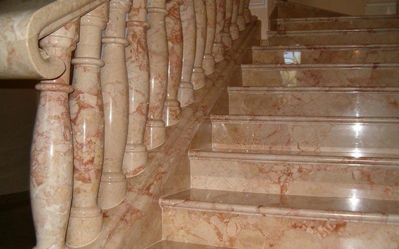 Scala interna in pietra naturale stunning lastre di pietra di
