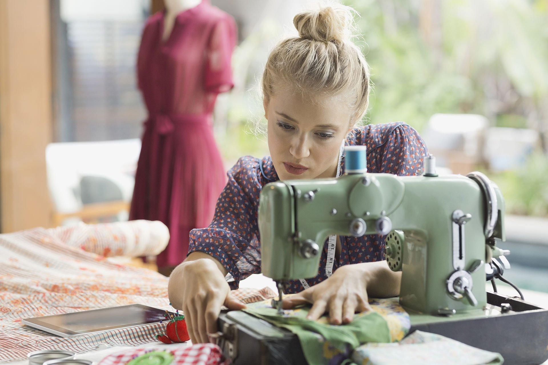13 Fashion designer sewing machine