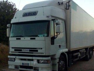camion con cella frigorifera