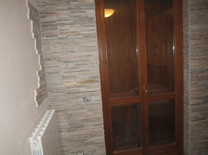 muro porta esterno