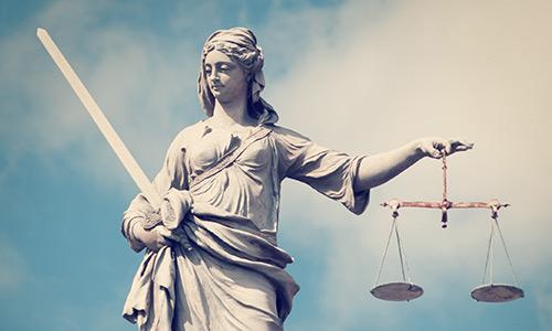 Statua della giustizia a Caorle