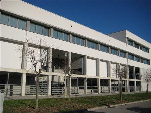 vista laterale di un edificio