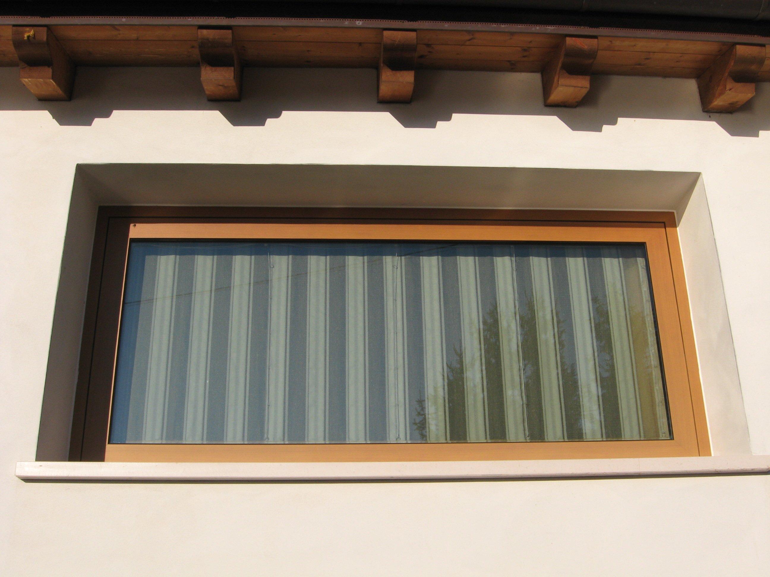finestra a forma rettangolare