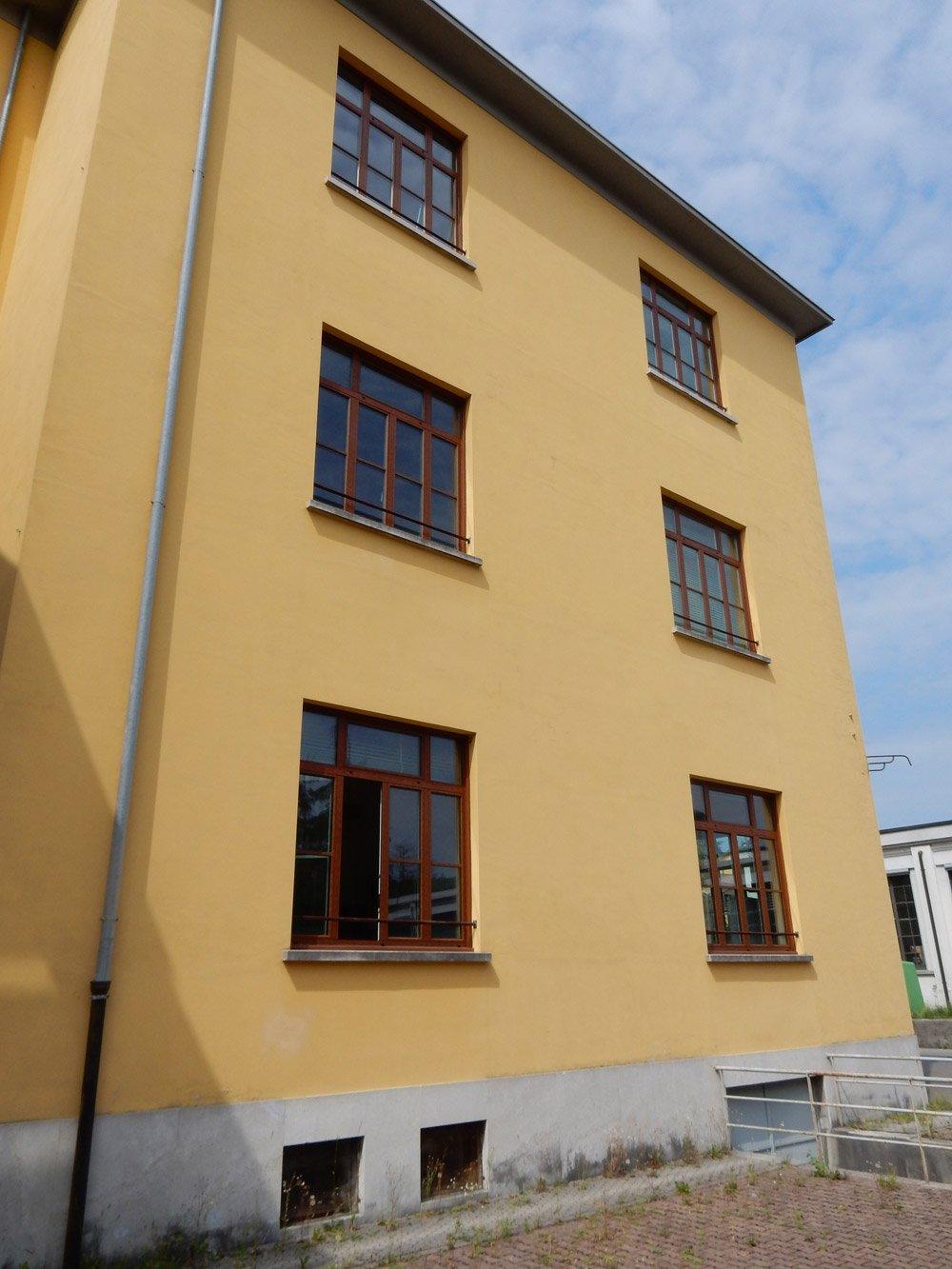 edificio giallo