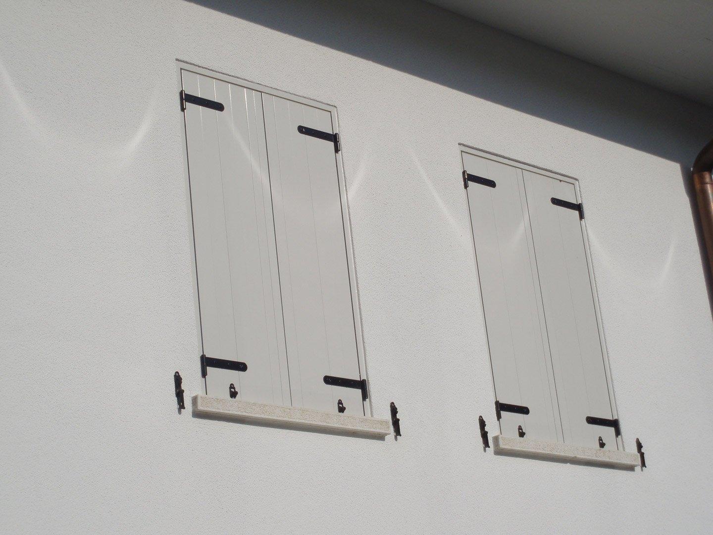 due finestre chiuse