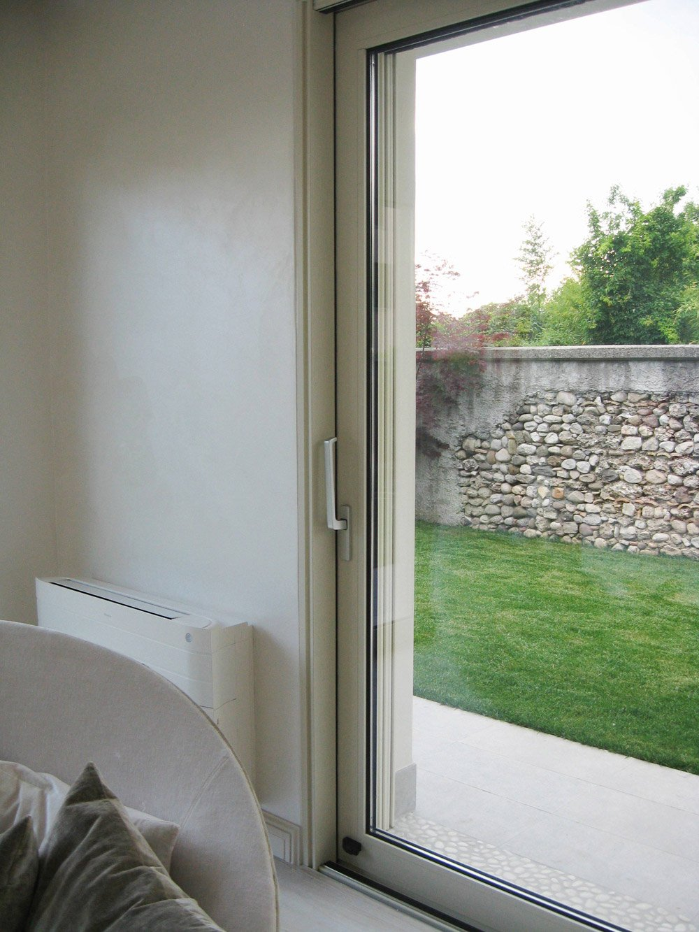 porta finestra sul giardino