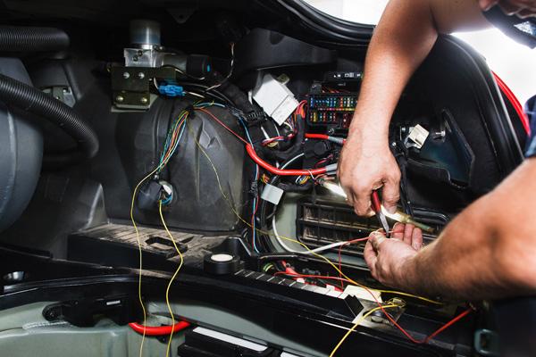 intervento su centralina elettronica auto