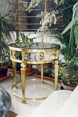 Tavoli e tavolini in ottone e ferro battuto cermenate - Tavolini vetro e ottone ...