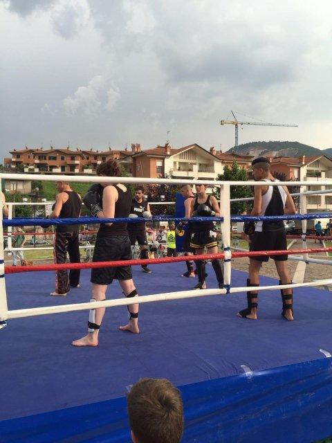 Dimostrazione di kick boxing con il maestro Emanuele Cenciarelli