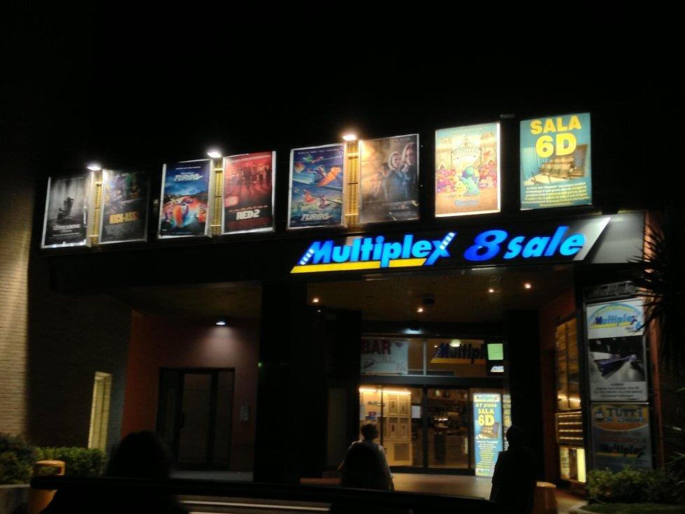 insegna di cinema multisala