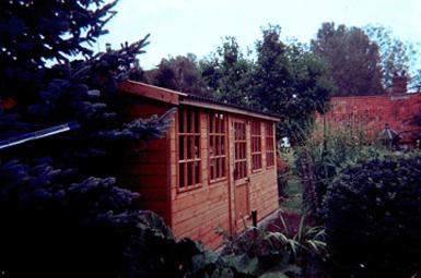 Bespoke garden sheds summer houses norfolk hunt for Garden room designs norwich