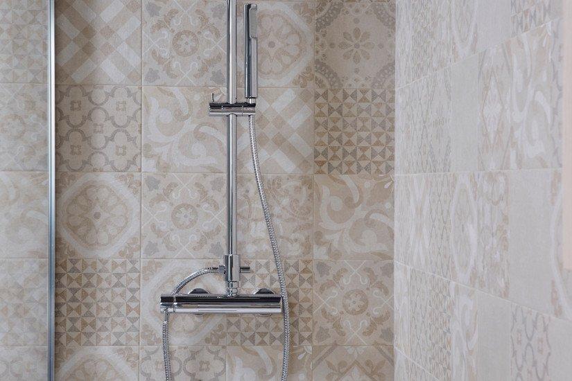 un box doccia con doccetta
