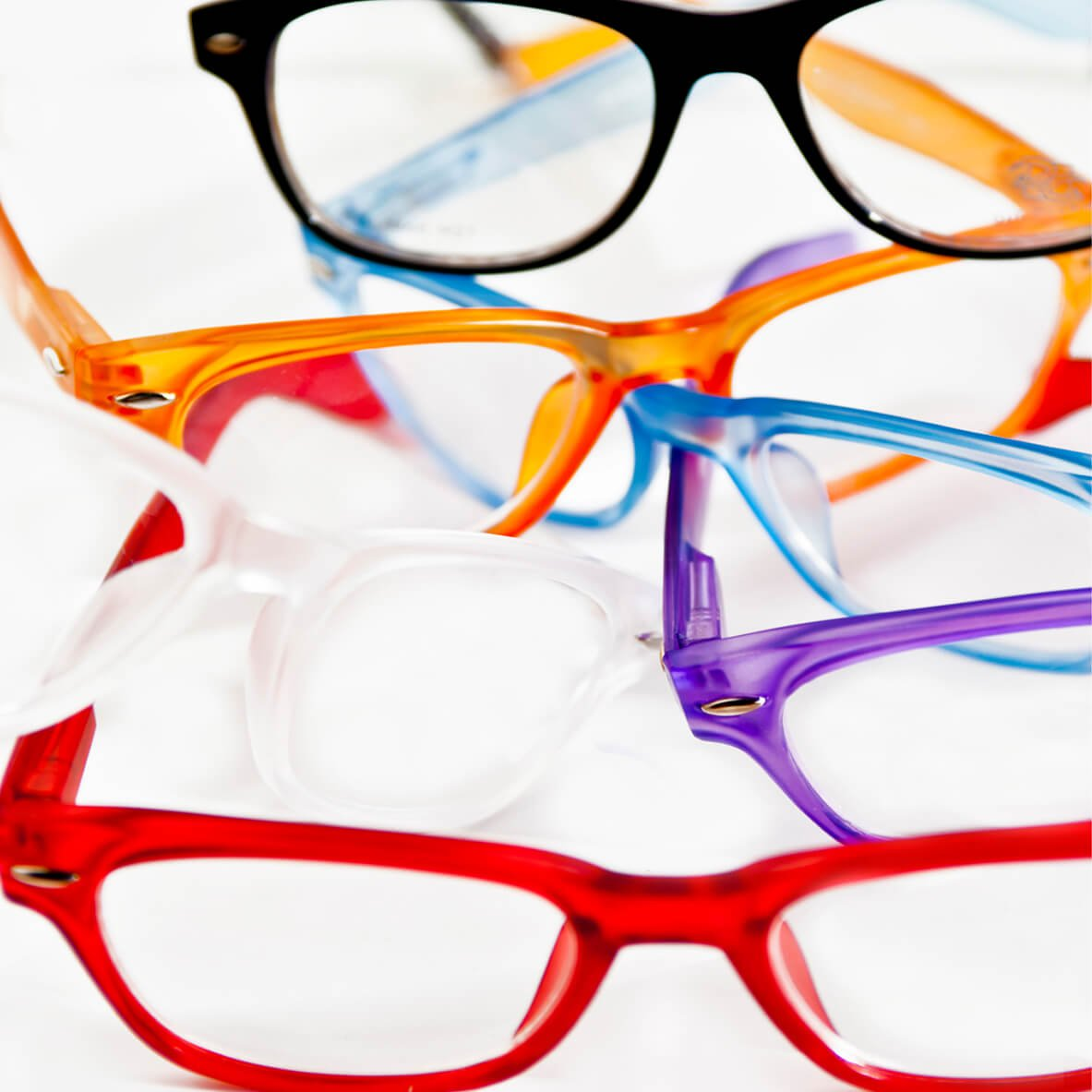 4 paia di occhiali con strutture colorate