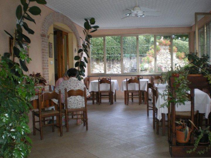 tavoli ristorante in veranda