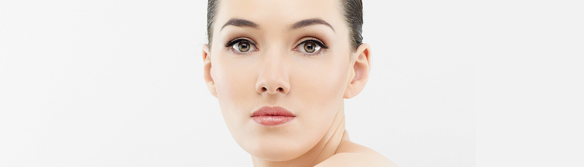 a lady after the derma roller therapy