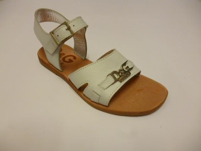 dei sandali di pelle della marca Dolce e Gabbana