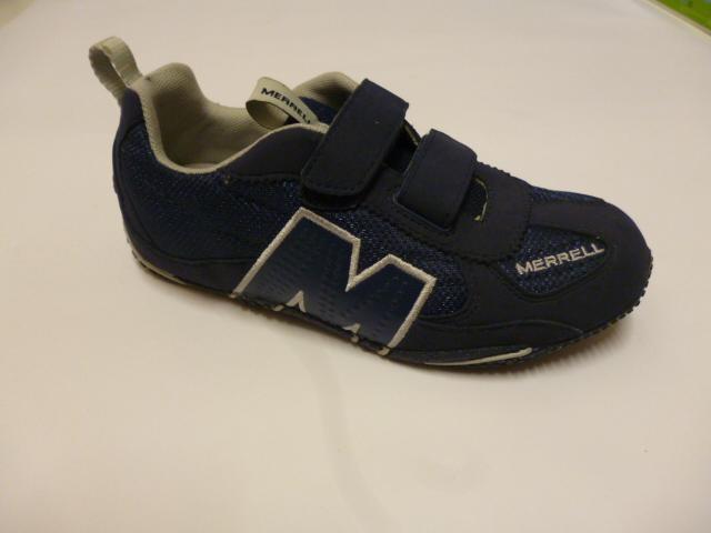 Scarpa blu scuro da ginnastica con M e chiusura da velcro
