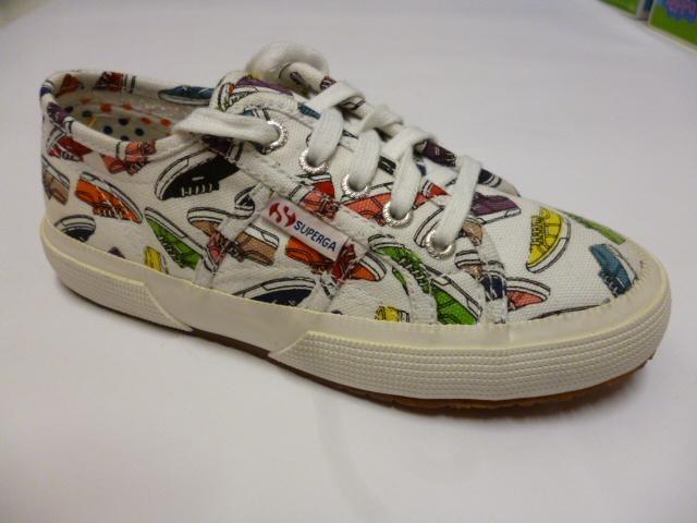 Scarpa da ginnastica con disegno di scarpe di ginnastica de tutti colori