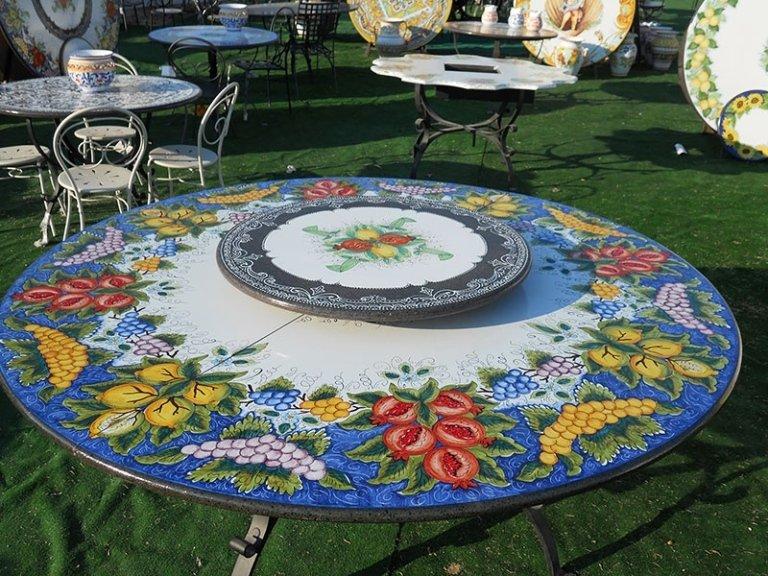 tavoli con decori frutta