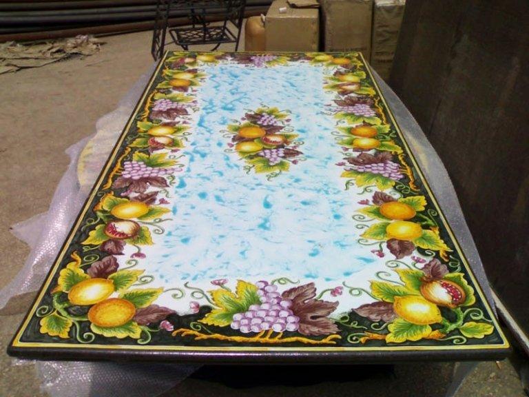 pietra lavica per tavoli resistenti