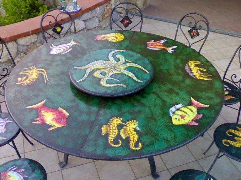 tavolo in pietra decorato zodiaco