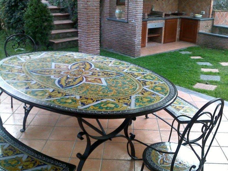 tavoli ovali in pietra personalizzabili