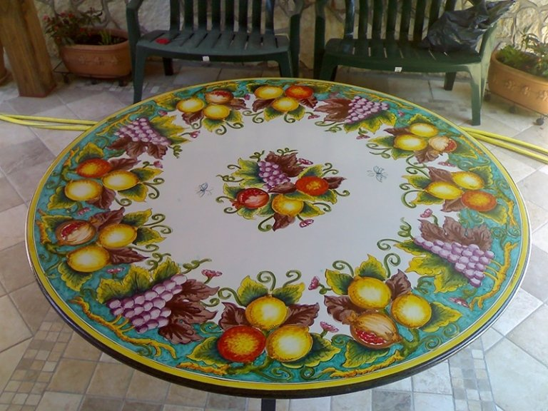 tavolo classico rotondo in pietra