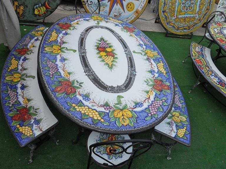 tavolo ovale esterno in pietra