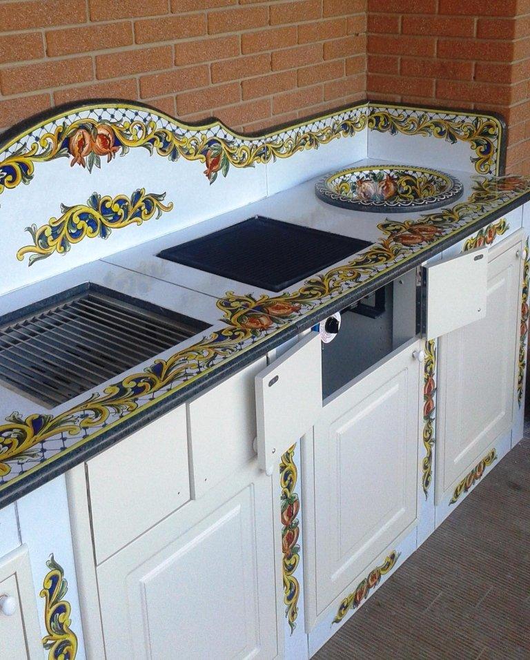 cucina da esterno in pietra lavica