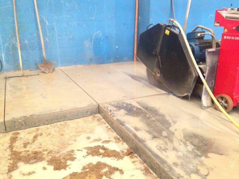 taglio pavimenti in cls con dischi diamantati