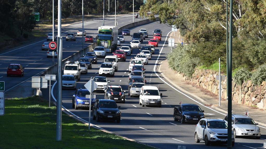 Image of multi laned road Adelaide