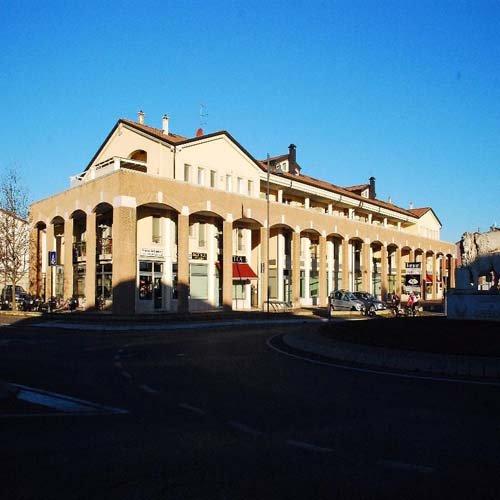 edificio con colonne