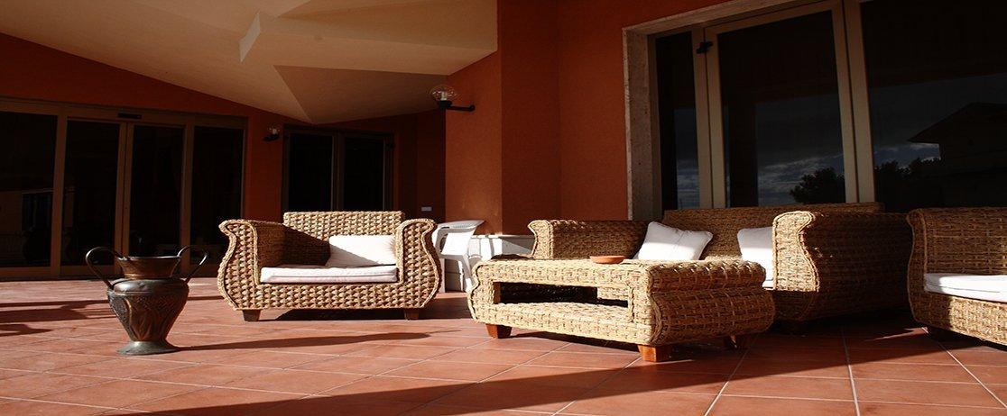 veranda con divanetti