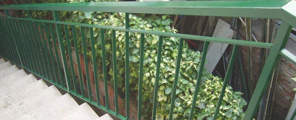 Posa recinzioni in ferro