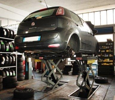 tiparazione auto, controllo freni, riparazione carrozzeria