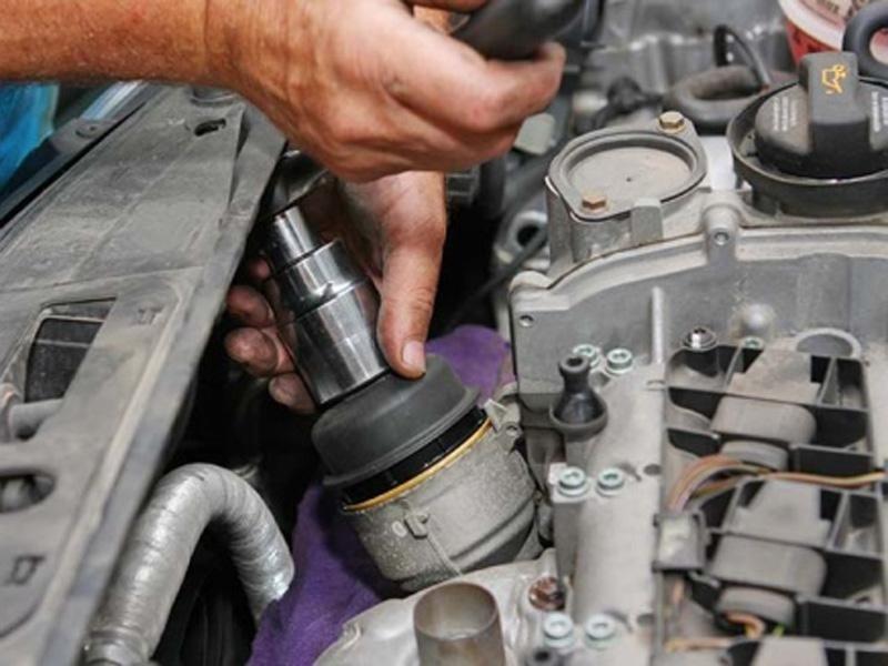 Riparazione auto e motore