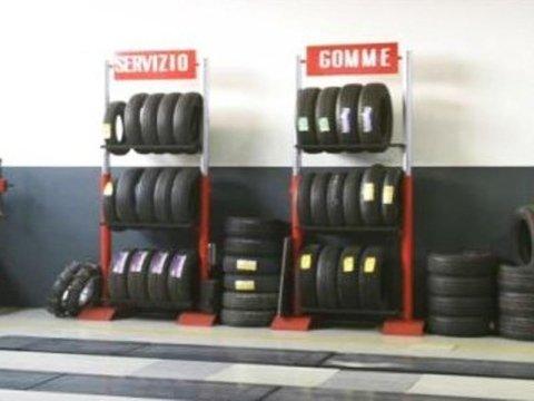 vasta scelta di gomme per auto