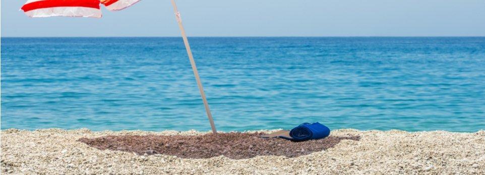 spiaggia soleggiata