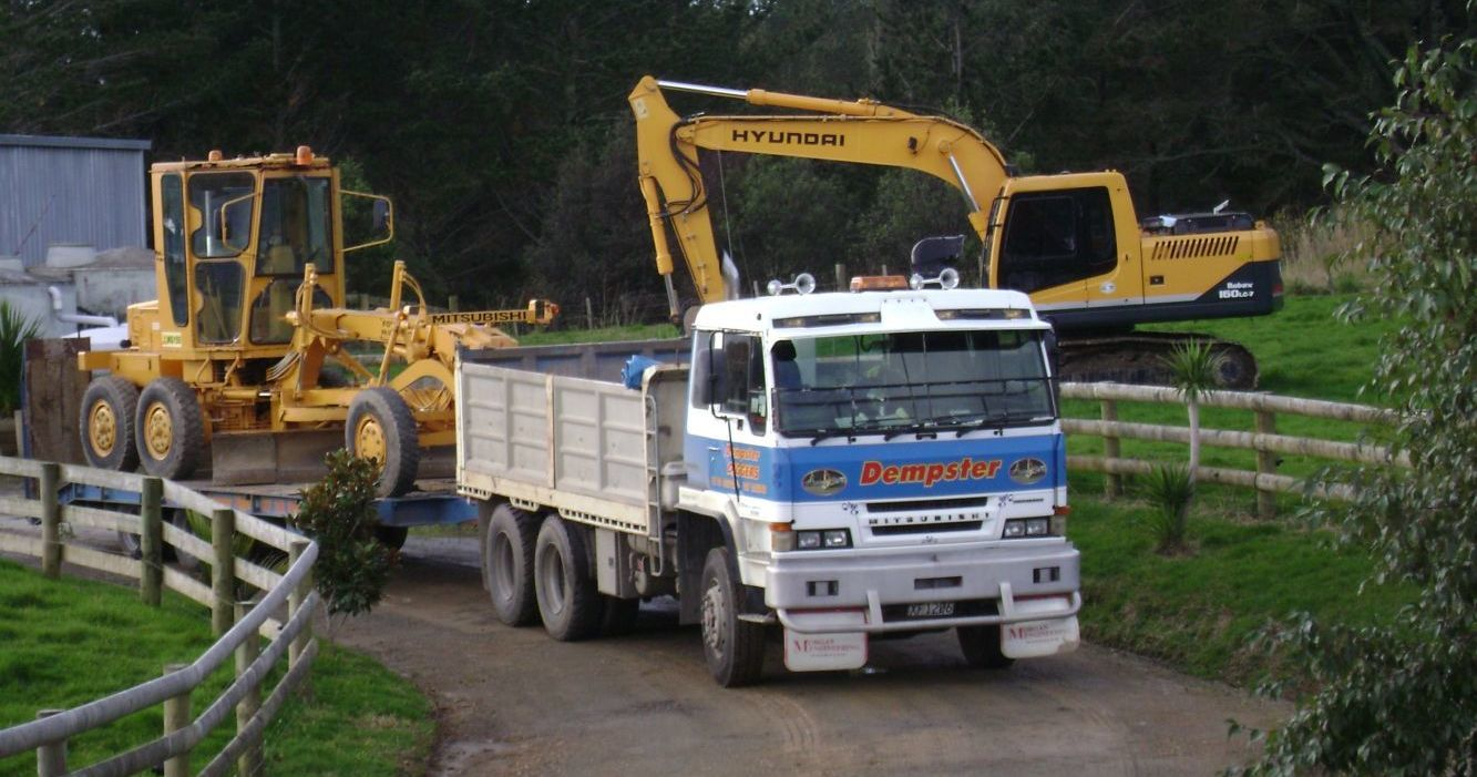 Vehicles of the expert excavating contractors in Whangarei