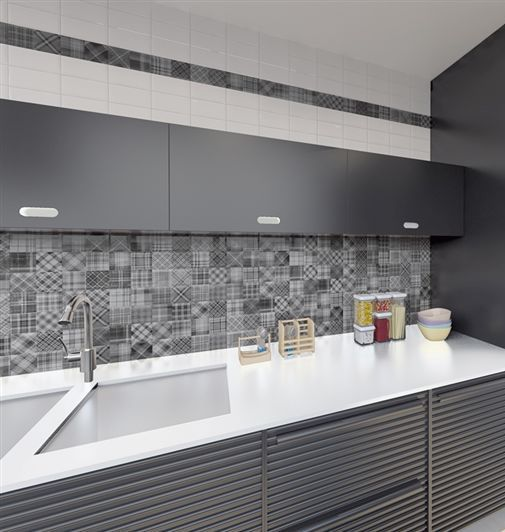 Kitchens and bathrooms on display in a showroom in Fofar