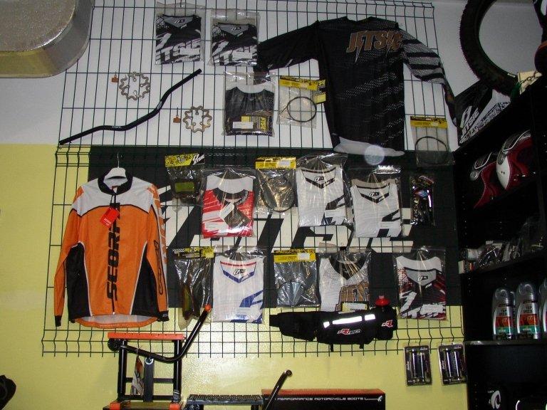 vendita abbigliamento moto motorex Jitsie rtech