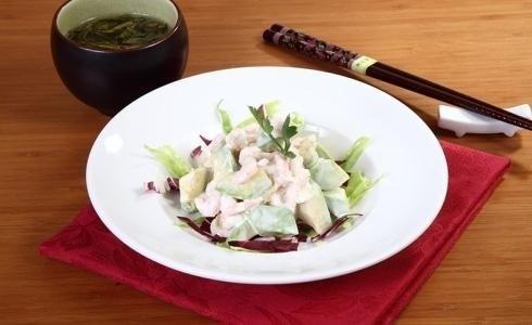 piatto con cibo giapponese