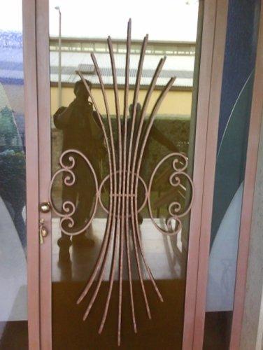 serramento in ferro e vetro