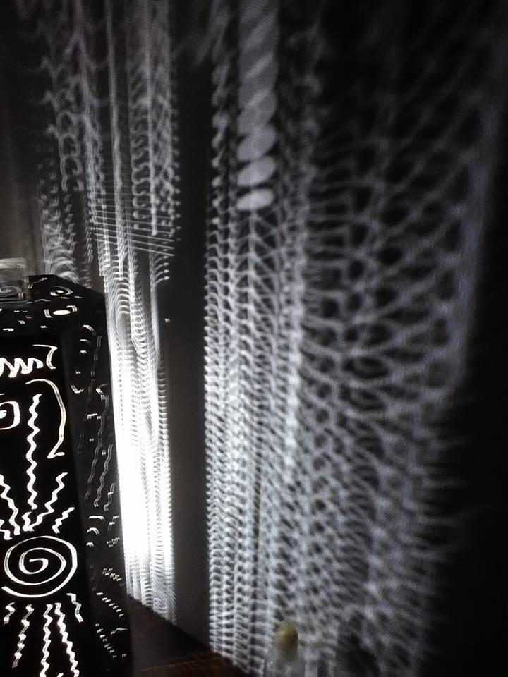 dettaglio di lampada in ferro