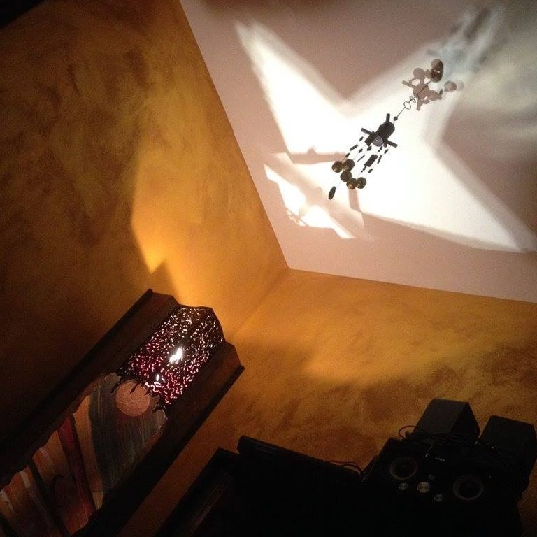 lampada e lampadario in ferro