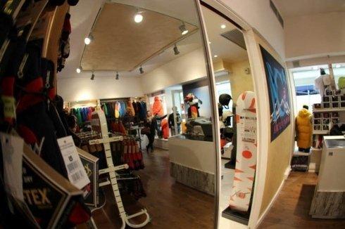 abbigliamento per lo skate, skateboard, aquiloni da traino per kite surf