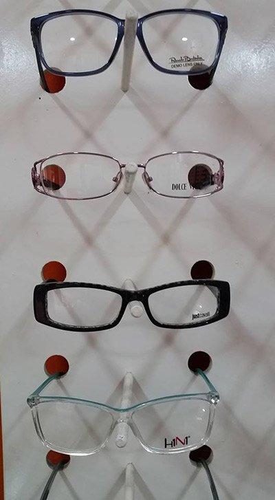 quattro modelli di occhiali da vista