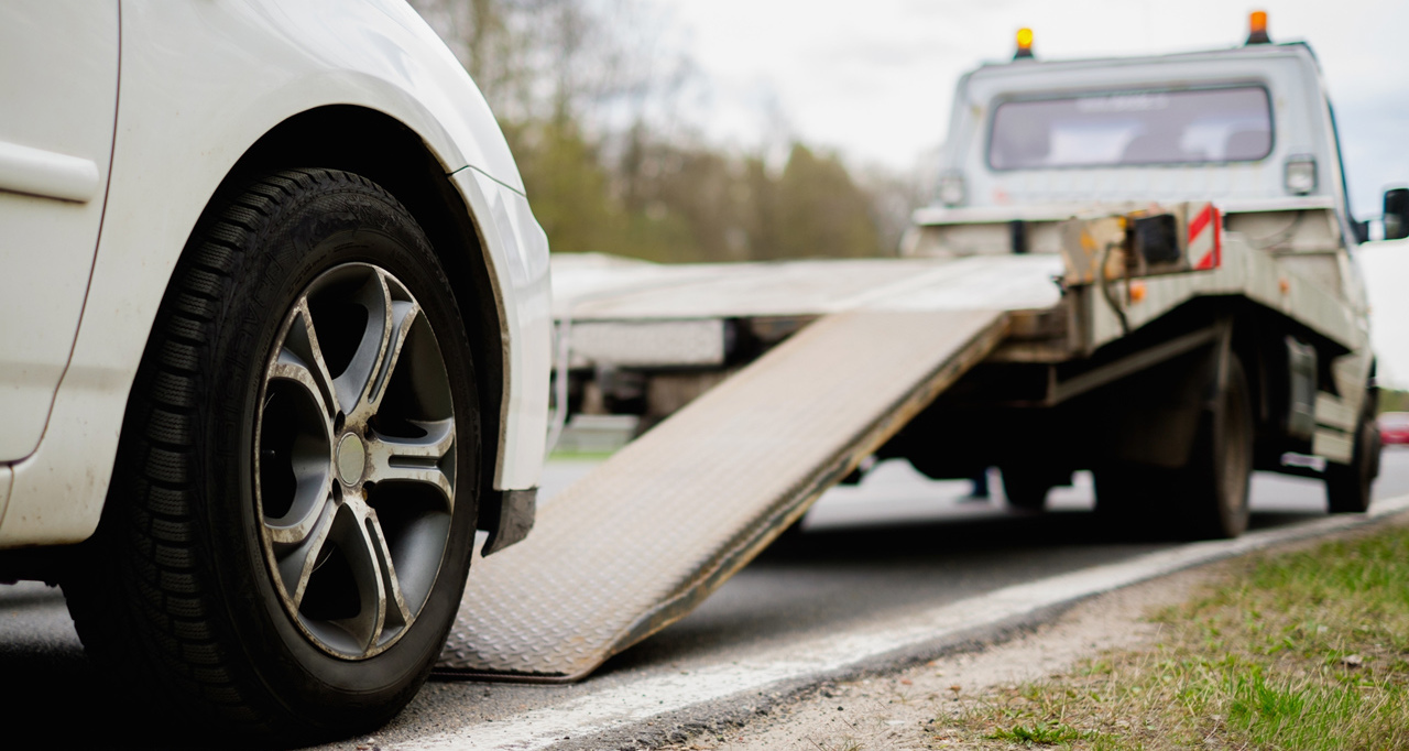 Contact professional towing company in Branson