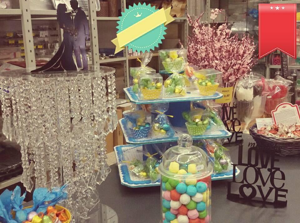 esposizione di caramelle e dolci
