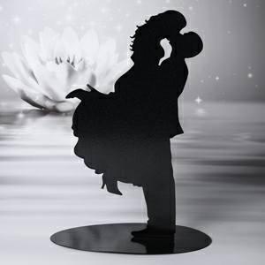 statuina in nero di sposi